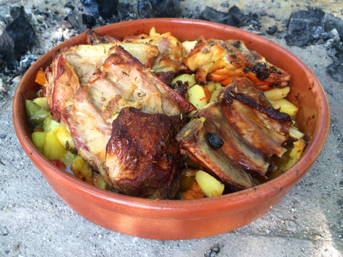 Cimplet - glinena posuda za ispod peke, krušnu peć, pećnicu